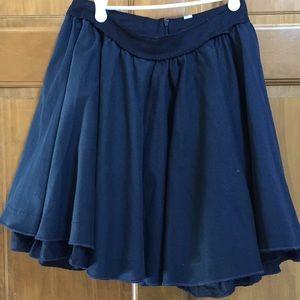 D&G Juniors ruffled navy blue skirt